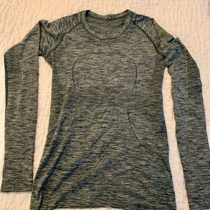 Lululemon long sleeve Swiftly 8